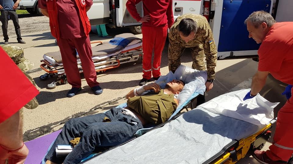 Продукція АВ-ФАРМА під час евакуації до шпиталю